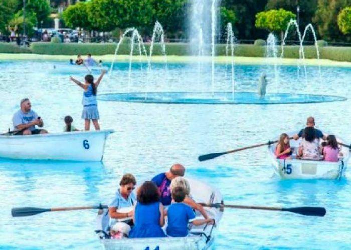 Parque de la Batería lago con barcas. Torremolinos