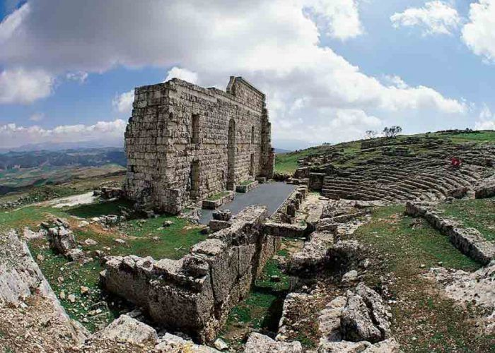Viaje en familia a la época romana en Acinipo (Ronda)