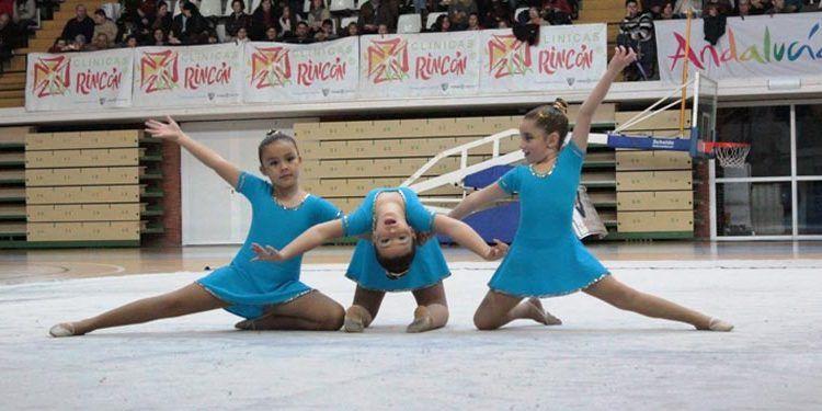 ejercicio niñas gimnasia ritmica