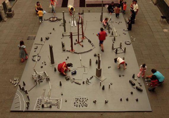 Obra juego de Miquel Navarro en el Pompidou