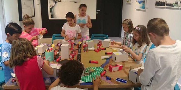 niños taller mahatma genérico