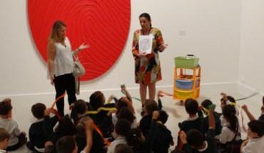 taller navidad cac málaga niñas niños arte contemporáneo taller exposición materiales cabecera