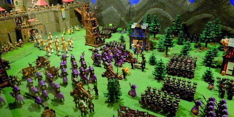 exposición clicks playmobil archivo municipal asedio ciudad amurallada ejército negro victoriano cabecera