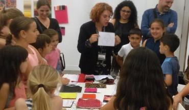 visita taller museo ruso niñas niños madres padres arte cabecera