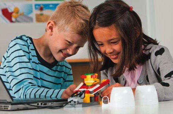 Robotix Málaga reportaje niños robots talleres aulas galería 01
