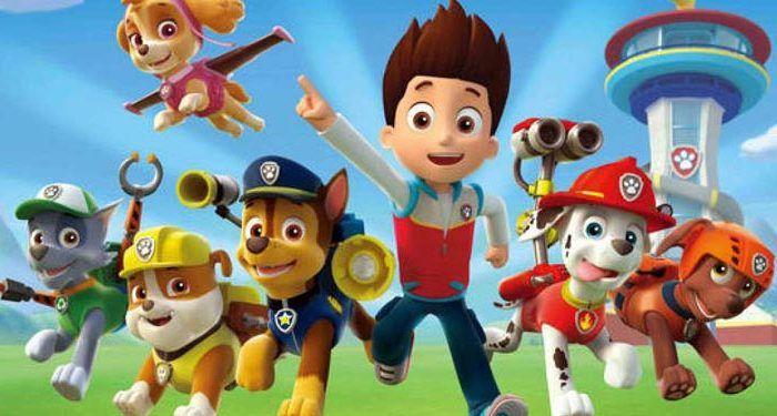 Espectáculo familiar con los famosos personajes de la Pandilla Canina. Niñas y niños disfrutarán además con la participación especial de los Minions.