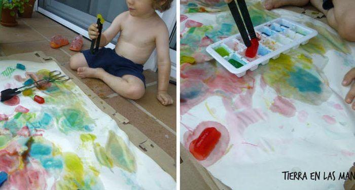 Pintar con hielo, el éxito del verano manualidades niños niño acción pintura 01