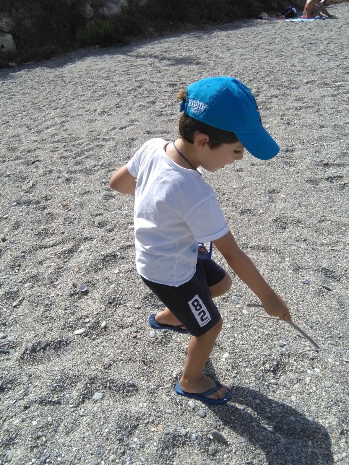 Saturna  se lleva los peques a la playa 02
