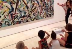 Taller visita con niños a la exposición de Jackson Pollock en el Museo Pîcasso Málaga con Monitora