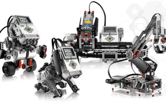 Talleres de Navidad en Yoitec Málaga con robótica educativa, Minecraft y audiovisuales