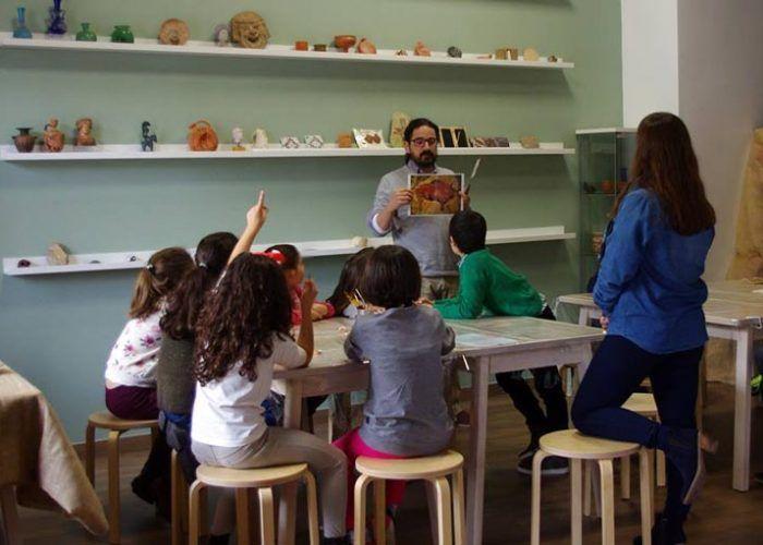 Talleres infantiles en Málaga de Arqueorutas