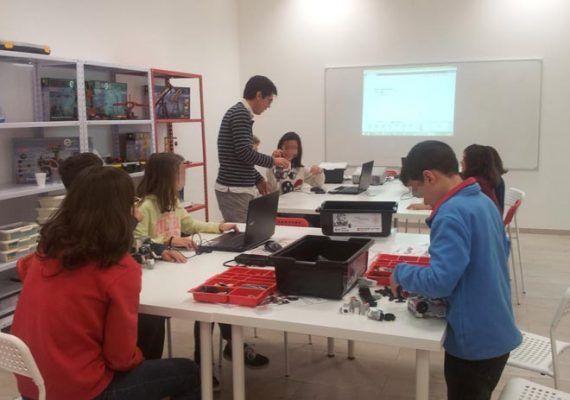 Extraescolares en Yoitec Teatinos de Málaga con robótica educativa y tecnología para niños