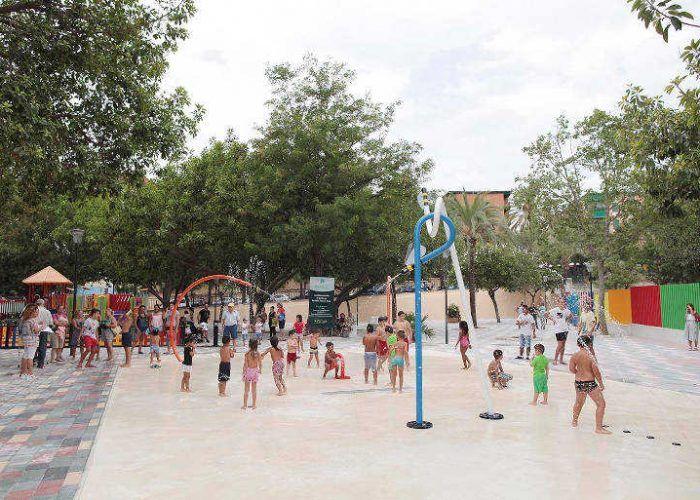 Marbella Inaugura Un Nuevo Parque Con Juegos Acuaticos Para Ninos