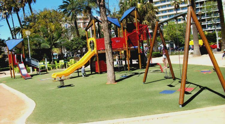 Parque infantil paseo del parque Málaga