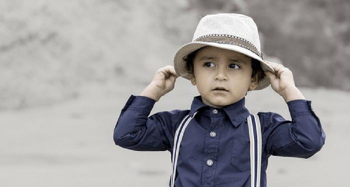 niño sombrero