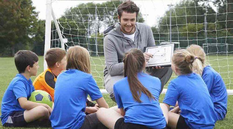 StormUnited Linguistic Football Club, la nueva escuela que combina deporte y enseñanza de idiomas