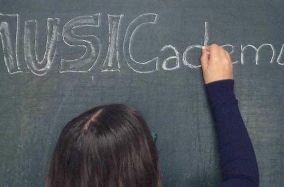Jornada de puertas abiertas en MUSICademia en Torremolinos para conocer la escuela musical