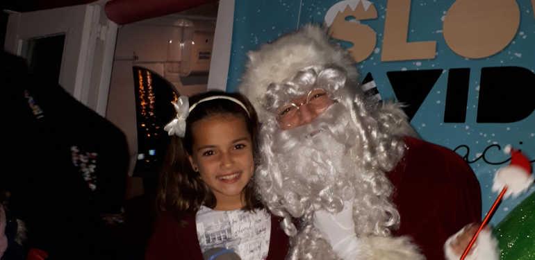 Papá Noel visita al Muelle Uno