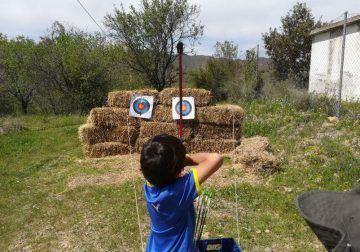 Campamento de verano para niños sobre prehistoria con ArqueoEduca en Málaga