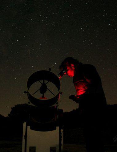 Descubre con niños la Luna y el Sol en las observaciones astronómicas de AstroLab (Yunquera) en abril