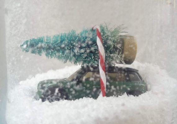 Manualidad navideña con los peques: cómo hacer una bola de nieve