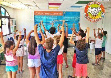 Campamento infantil de Navidad con ciencia y experimentos en Benalmádena