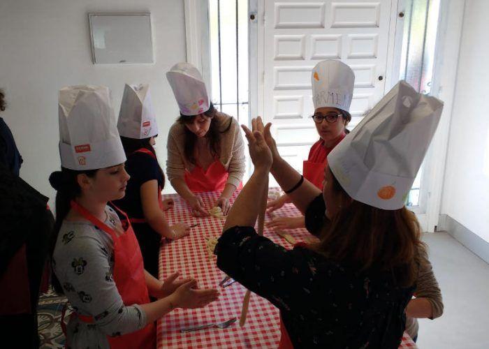 Taller para niños de cocina italiana en el Centro Te Motivan Málaga