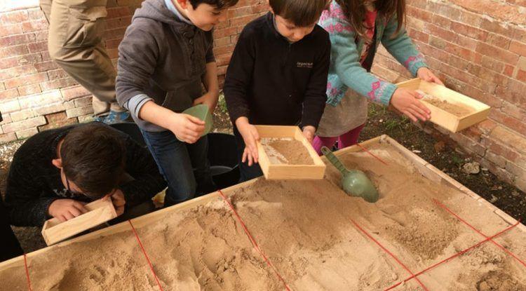 Campamento para niños de Semana Blanca sobre el Antiguo Egipto en la Térmica