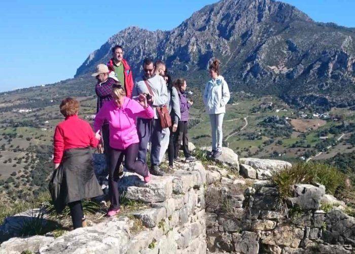 Senderismo para toda la familia: ruta por las ruinas romanas de Lacipo en Casares (Málaga)