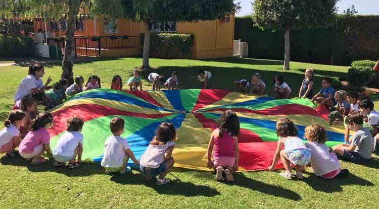Campamento infantil de Deportae para Semana Santa en La Cala del Moral (Málaga)