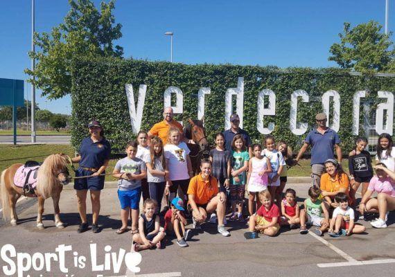Deportes y animales en el campamento infantil de Semana Santa enVerdecora Málaga