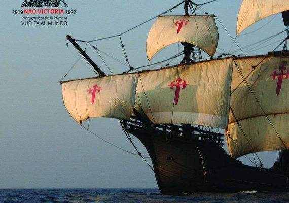 Visita en familia en Marbella la Nao Victoria, réplica del primer navíoque dio la vuelta al mundo