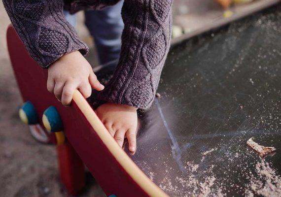Consejos para enseñar a los peques a hacer las tareas de casa