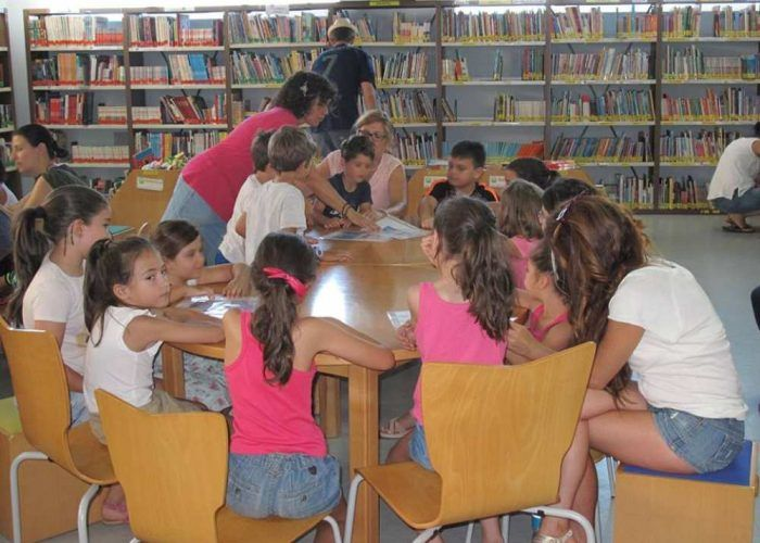 Taller infantil gratuito para fabricar juguetes en la Biblioteca Provincial de Málaga