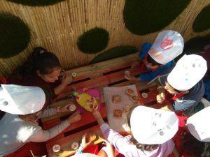 Campamentos de verano para niños en Málaga con cocina, inglés y surf