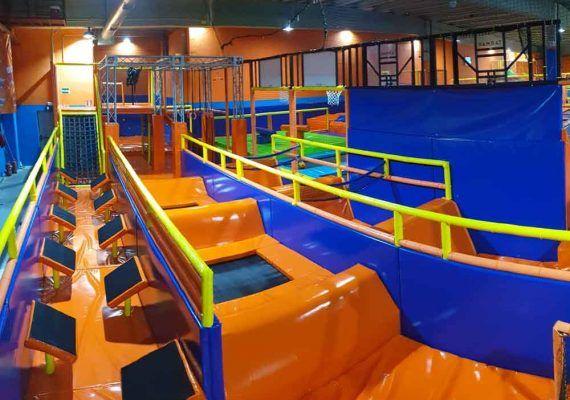 Visitas escolares en el parque de saltos Bobby Jump Málaga para niños y adolescentes