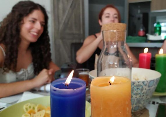 Cenas misterio y 'scape rooms' a domicilio en Málaga con La Maquina Imaginaria