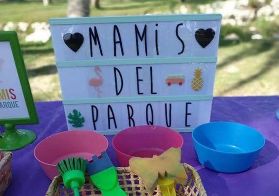 Taller sensorial y pintura explosiva para niños en Málaga con las Mamis del Parque