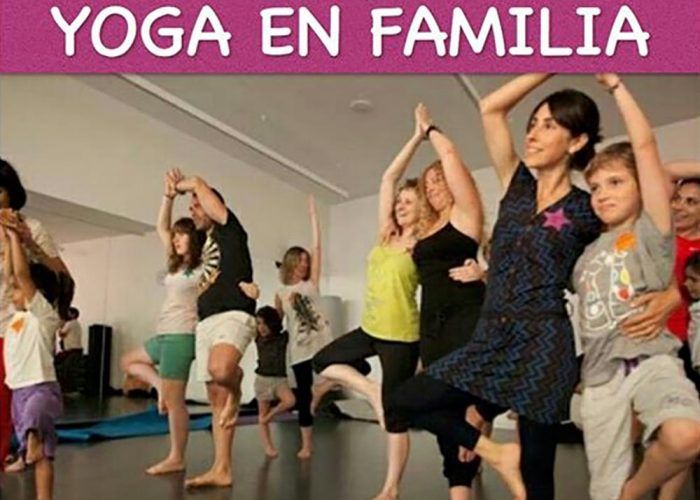 Taller de yoga en familia en el Rincón de la Victoria (Málaga)