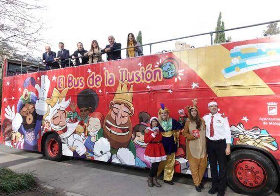 'El bus de la ilusión', el autobús solidario para niños durante la Navidad