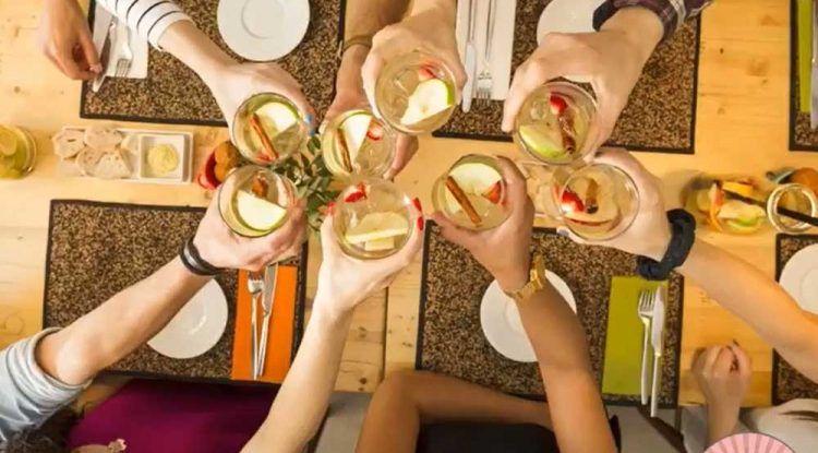 Cenas de Navidad para familias y amigos con ludoteca en Poppins de Alhaurín de la Torre