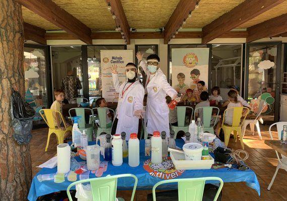 Transforma tu aula en un laboratorio con PlanetaExplora - Ciencia Divertida Málaga