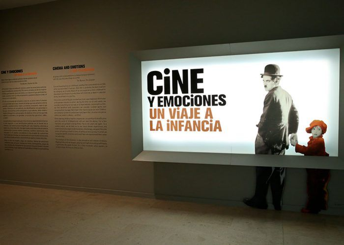 Exposición gratis para visitar en familia en Málaga: 'Cine y emociones: un viaje a la infancia'