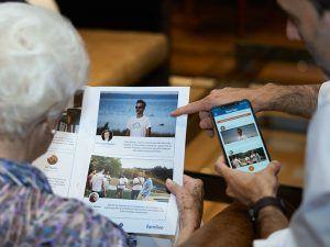 Famileo: la app que permite crear una revista para los mayores con las fotos y textos del chat familiar