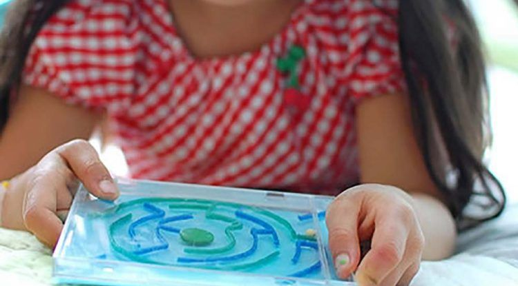 Manualidades con Saturna: crea un laberinto portátil para jugar