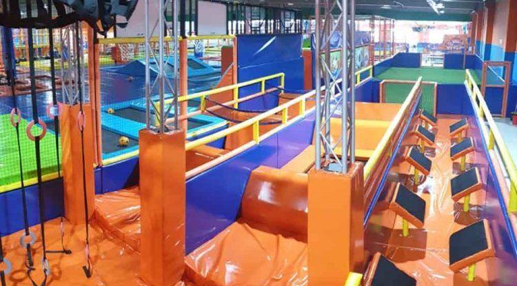 Saltos y trampolines en Málaga para niños y en familia con Bobby Jump