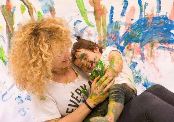 Taller online de pintura para bebés con Estímulos Maternales