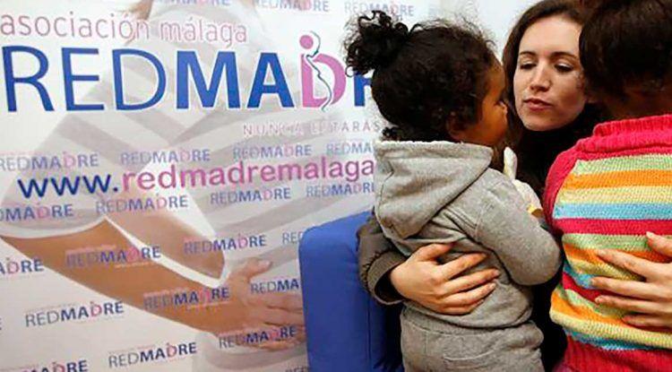 Ayuda a Red Madre: necesitan cunas y carritos para bebés