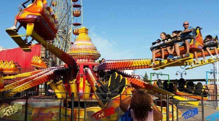 Disfruta con niños en el parque de atracciones y espectáculos Tivoli World (Benalmádena)