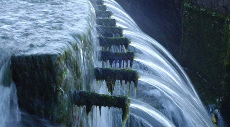 Excursión en familia a la Fuente de los Cien Caños de Villanueva del Trabuco